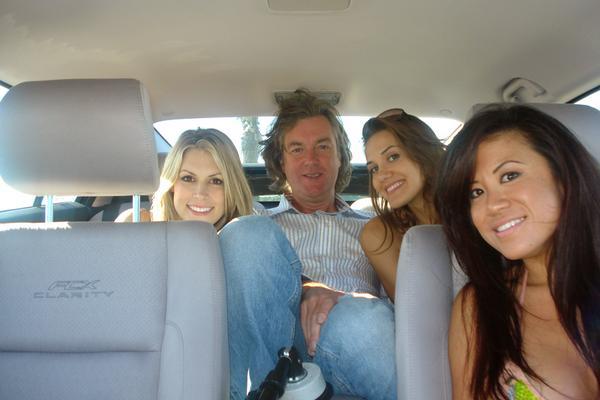 Джеймс Мэй развлекается в Калифорнии. Во время обзора Honda FCX Clarity