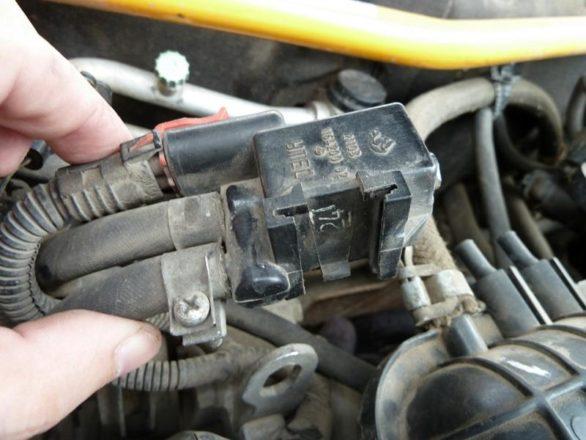 что делать если стучит клапан адсорбера