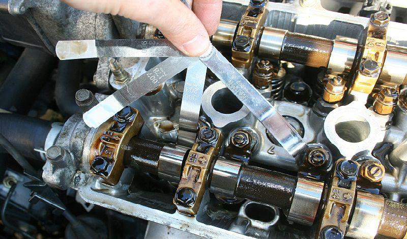 Регулировка зазоров клапанов в двигателе автомобиля: зачем и как сделать?