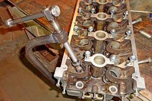 rassuharivatel klapanov 300 - Устройство для рассухаривания клапанов
