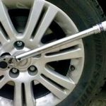 Динамометрический ключ для автомобиля