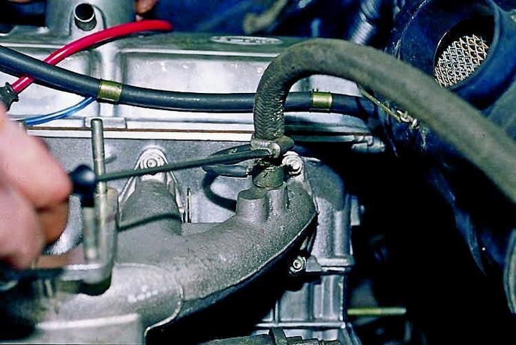 Высокие обороты двигателя на холостом ходу — возможные причины