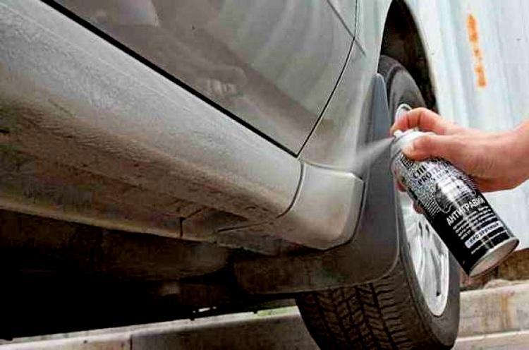Защитная обработка порогов машины