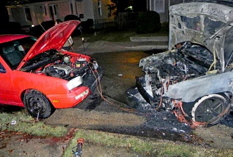 Сгоревшие аавтомобиля