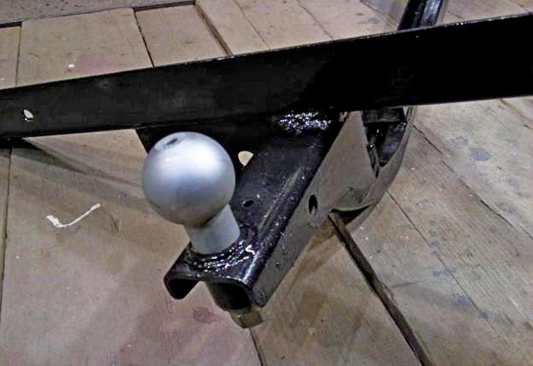 Прицепное устройство (фаркоп) для автомобиля