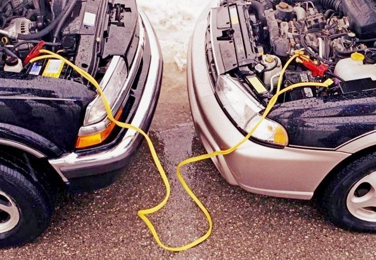 Как прикурить от другого автомобиля